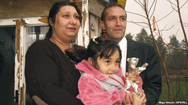 Nazif Mujić sa suprugom i kćerkom