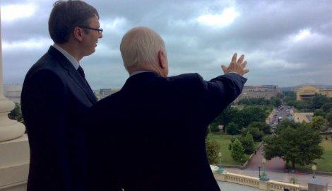 a ovde ćemo da sagradimo vašington na vodi