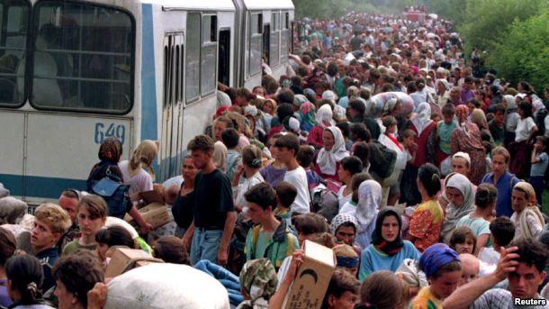 Izbegli iz Srebrenice, jul 1995.