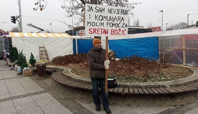 """SINIŠA LABROVIĆ U AKCIJI: """"Ja sam nevjernik i komunjara. Molim pomoć za sretan Božić"""""""