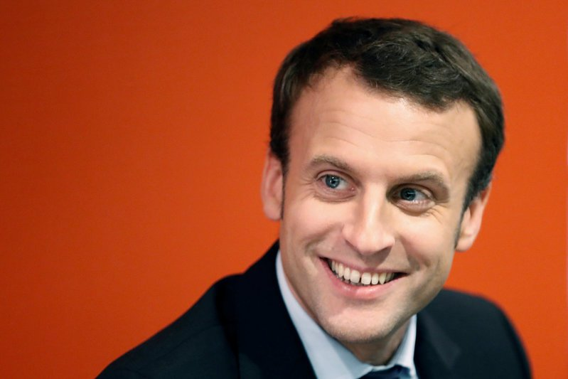 macron-momentum-threatens-french-election-frontrunners
